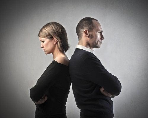 Waarom blijven ongelukkige stelletjes bij elkaar?