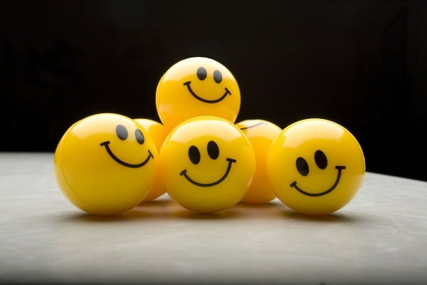 Allemaal Smileys Op Een Hoopje Om Positieve Gedachten Te Genereren