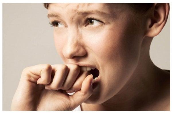14 veel voorkomende symptomen van angstaanvallen