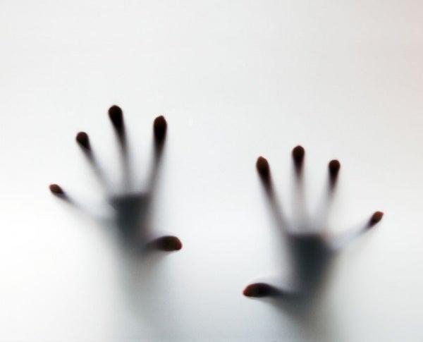 Hoe beheers je de symptomen van een paniekaanval