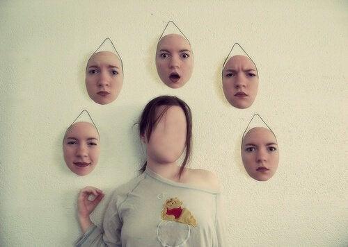 Achter onze emotionele maskers