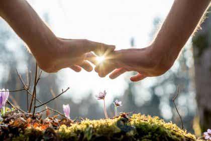 5 adviezen om de emotionele intimiteit in je relaties te verhogen