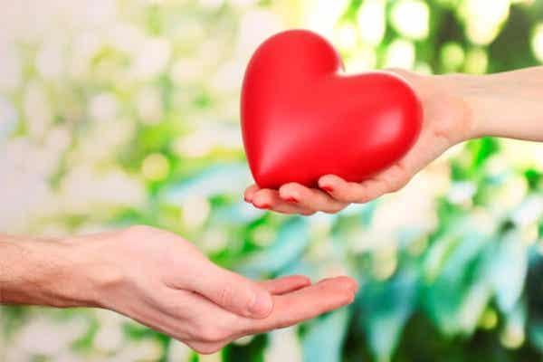 Cultiveer onvoorwaardelijke liefde om de band met je partner te verbeteren