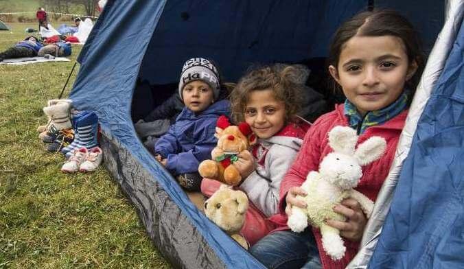 Vluchtelingenkinderen in Tent