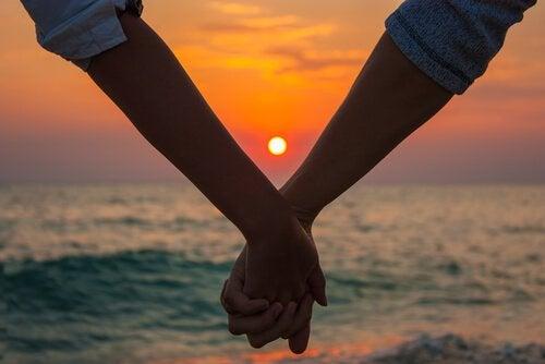 Volwassen liefde die op het juiste momentverschijnt