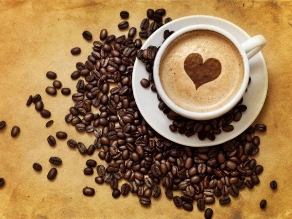 Zeven voordelen die cafeïnevrije koffie biedt voor je hersenen