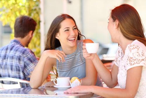 Vriendinnen Die Samen Koffie Drinken