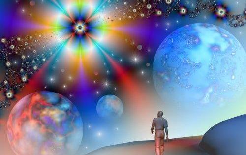 Man Die Door Het Universum Loopt