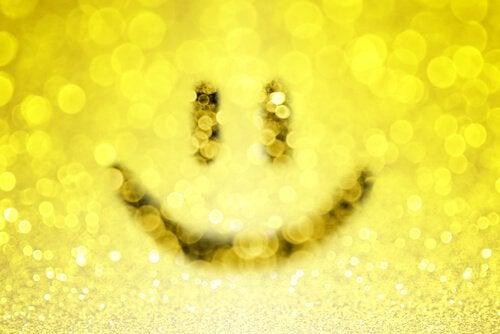 Een Gele Smiley Die Net Zo Straalt Als De Glimlach Van Onweerstaanbare Mensen