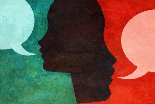 Twee Gezichten Met Een Gesprekswolkje Bij Hun Mond Omdat Authentieke Mensen Spreken Zonder Angst
