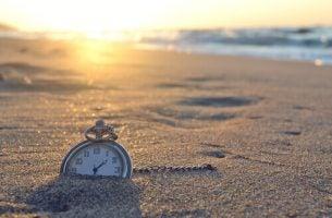 Een Wekker In Het Zand Die Ervoor Zorgt Dat We Vroeg Opstaan
