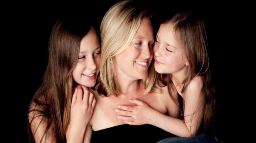 Moeder Met Haar Twee Dochters
