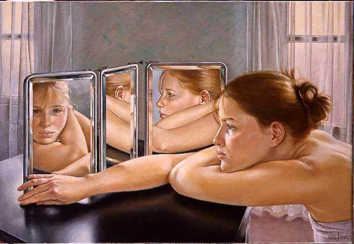Meisje Dat Naar Zichzelf Kijkt In De Spiegel