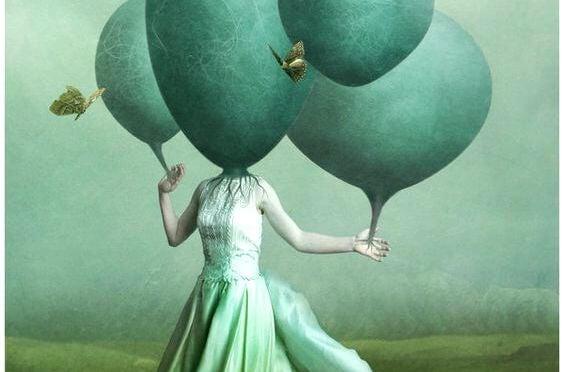 Surrealistische Afbeelding Van Vrouw Met Ballon Als Hoofd Als Symbool Voor Hoe Onze Verbeeldingskracht Ons Kan Helpen Om Onze Negatieve Emoties Te Verslaan
