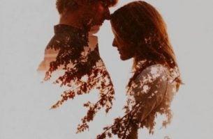 Twee mensen die elkaar liefhebben