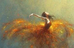 Vrouw met een glitterende jurk van goud waarmee ze zegt ik ga met passie leven