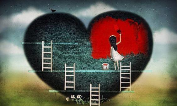 Meisje dat op een ladder staat om een heel groot grijs hart rood te verven
