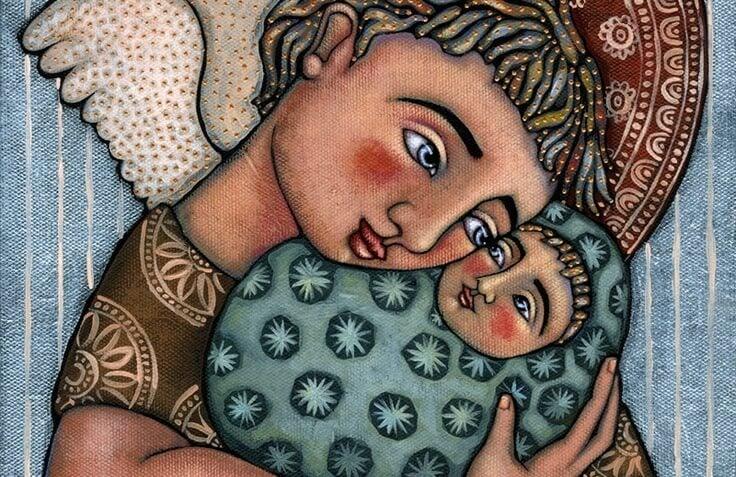 Moeder Knuffelt Kind Als Symbool Voor De Liefde Tussen Ouder En Kind En De Ondragaaglijkheid Van Het Verlies Van Een Kind