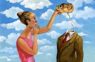 Vrouw die het masker van een man afzet want omgaan met giftige mensen is soms lastig