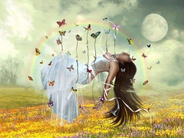 Vrouw Wordt Gedragen Door Vlinders En Heelt Zo Lichaam En Ziel