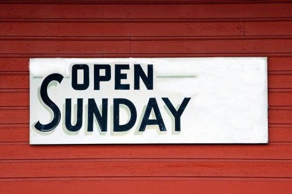 Bordje met open zondag er op