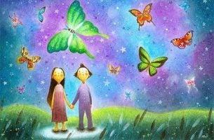 Stel staat in droomlandschap tussen de vlinders en heeft valse hoop.