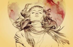 Vrouw kijkt met gesloten ogen op naar de zon, ze denkt na over moed en leed
