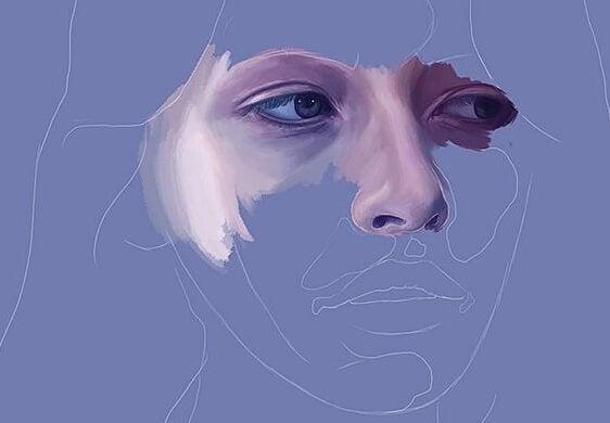Vrouw met een paars gezicht
