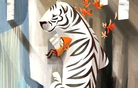 Kind dat tegen een witte tijger aanleunt