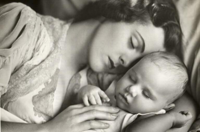 Een moeder met haar baby