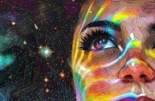 Vrouw die naar het heelal kijkt en nadenkt over een beter leven