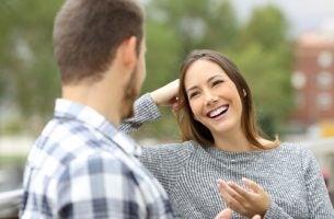 Vrouw voor wie met complimenten omgaan geen probleem is