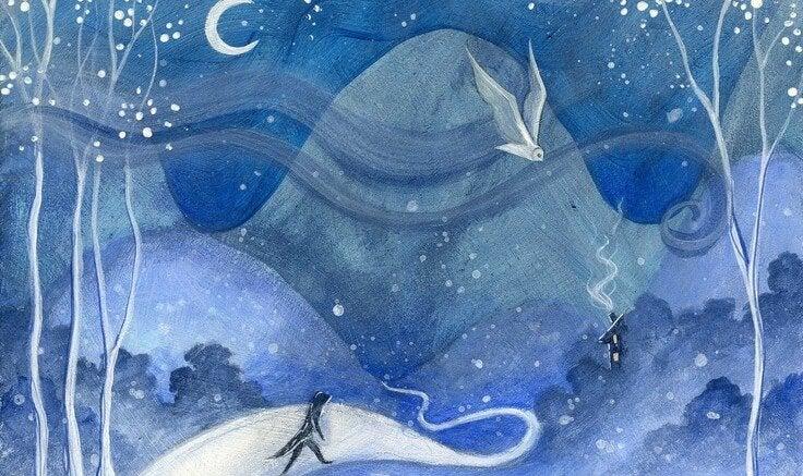 Persoon die door een besneeuwd landschap loopt
