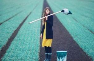 Ingrijpende beslissing die je leven zal veranderen zoals de beslissing om gras blauw te verven