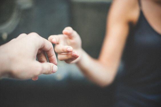 Hand uitreiken