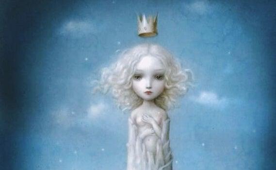 Meisje met kroon voelt zich naakt en alleen