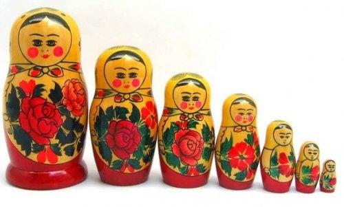 Matroesjka poppetjes als symbool voor transgenerationeel trauma