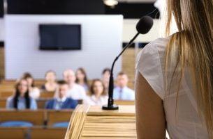 Angst om te spreken in het openbaar