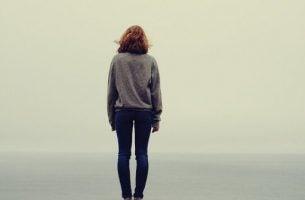 Leven zonder familie kan voelen alsof je alleen bent op de wereld