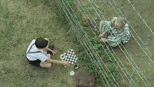 Scene uit de jongen in de gestreepte pyjama