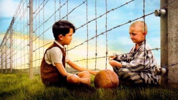 Citaten Uit The Boy In The Striped Pyjamas : De jongen in gestreepte pyjama vriendschap voorbij