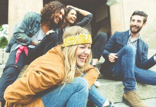 Lachende vrienden