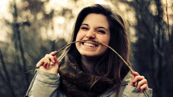 Vrouw die heeft leren lachen om zichzelf
