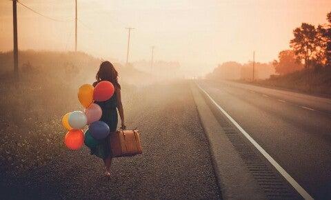 Vrouw met balonnen