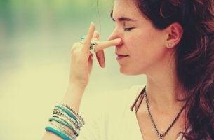 Voorbeeld van goede ademhalingsoefeningen om spanning te verlichten
