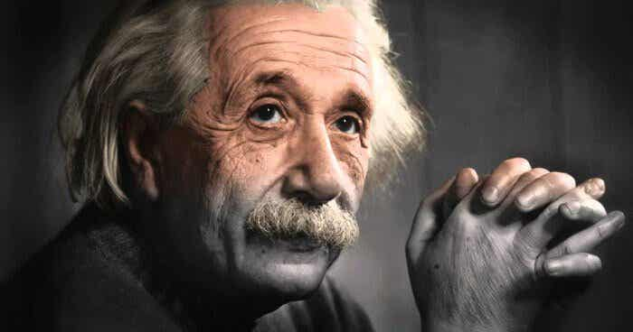 Vijf citaten van Albert Einstein over persoonlijke groei
