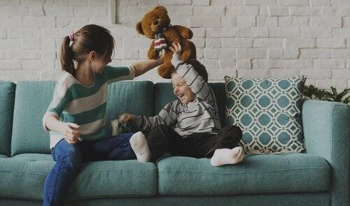 Oudere broers en zussen: maatjes en rolmodellen