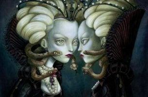 Kwaadaardige vrouw die naar zichzelf kijkt in de spiegel waardoor het kwaad overwint