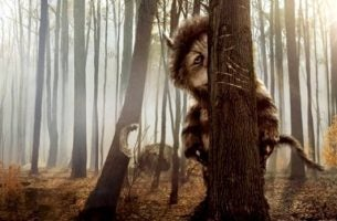 Monsters die zich verstoppen in het bos