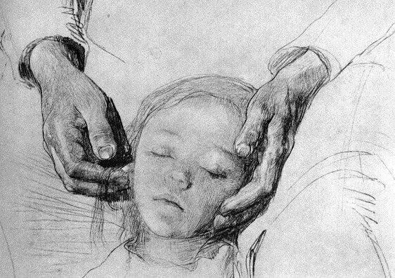 Kindje dat gestreeld wordt door zijn oma
